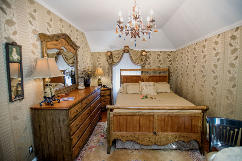 gramercy mansion room of the month