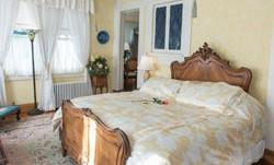 Blue Garden Suite | Baltimore Bed & Breakfast