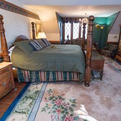 Hunt Room | Baltimore Bed & Breakfast