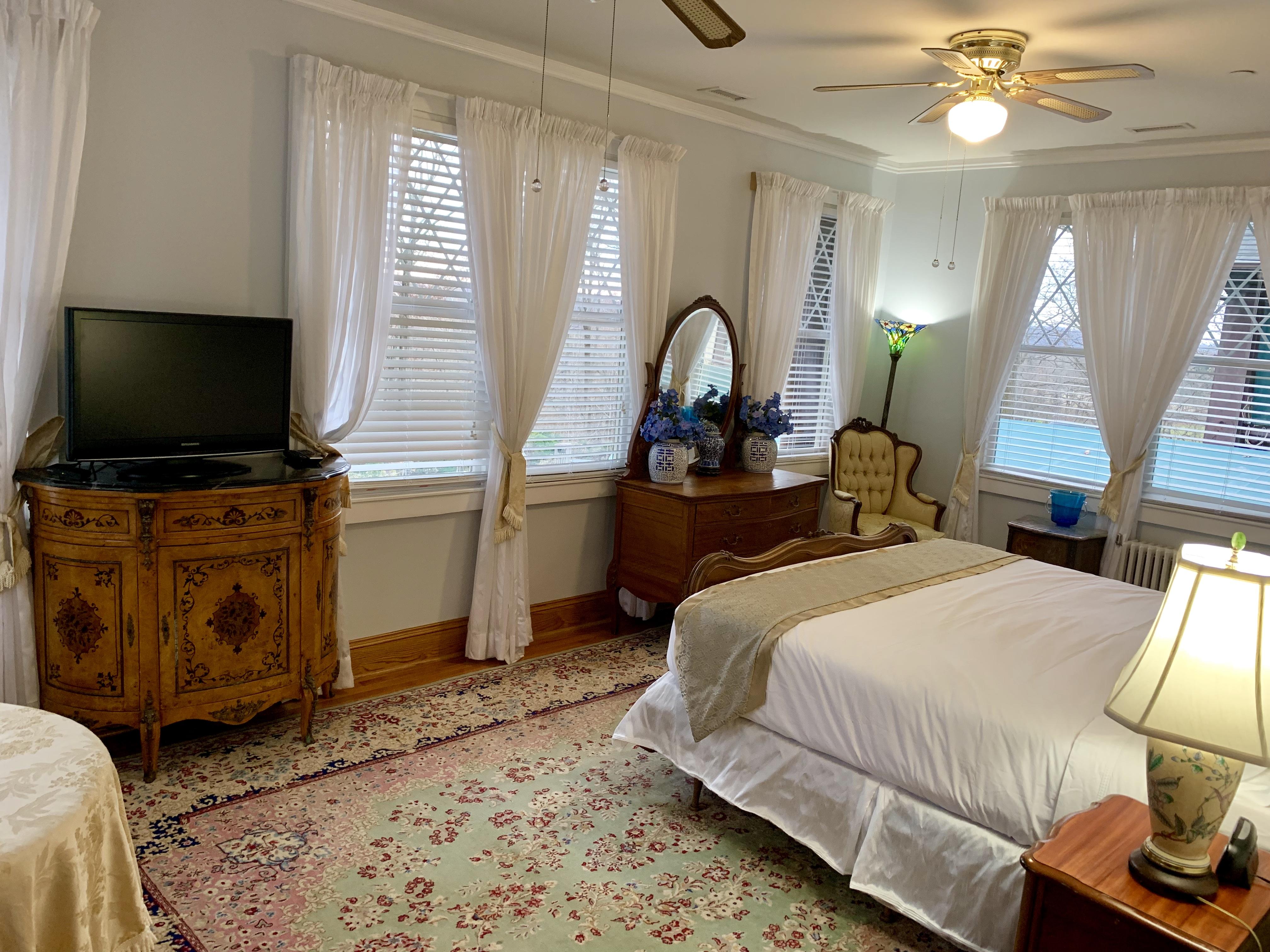 Gramercy Mansion Guest Room