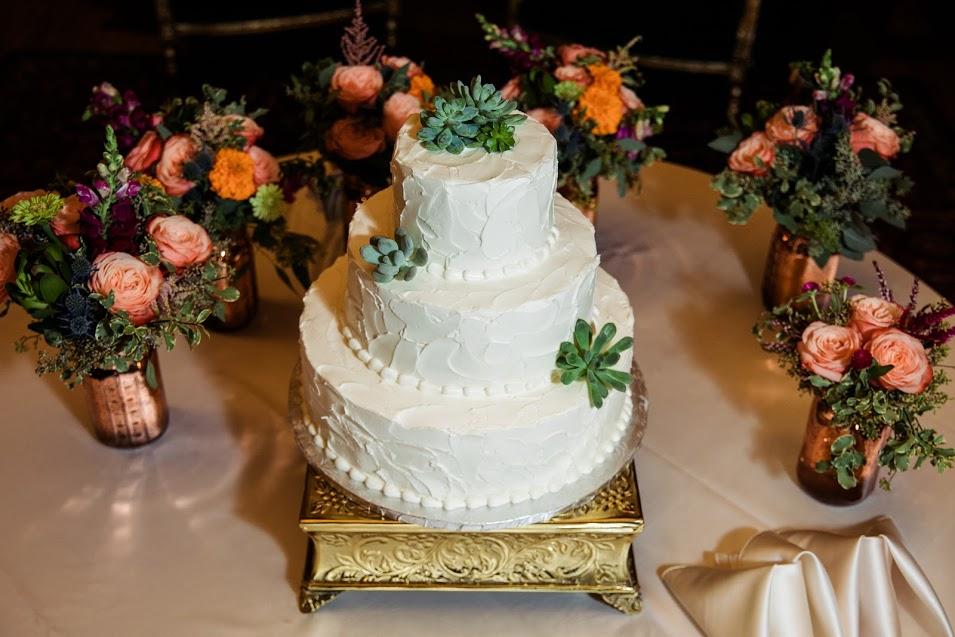 Gramercy Mansion Wedding Cake